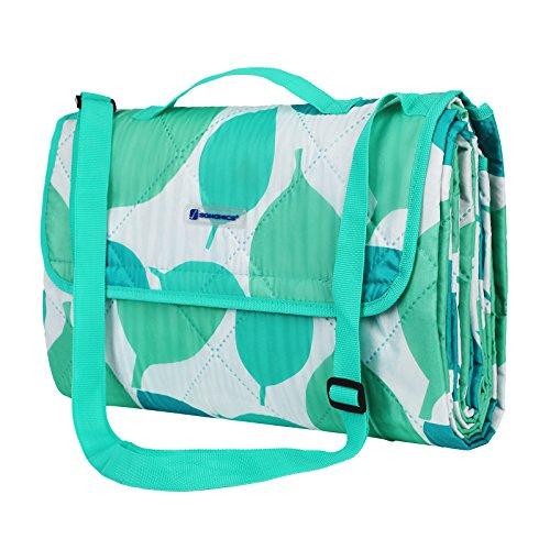 SONGMICS Waschbare Picknickdecke für Outdoor, faltbar zu Tasche mit Schultergurt, leichte Campingdecke, ideal für Reise, wärmeisoliert, 195 x 150 cm GCM80JW
