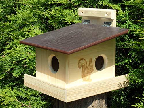 Eichhörnchenfutterhaus Nistkasten Eichhörnchenkobel, von Hand gefertigt im Bayerischen Wald